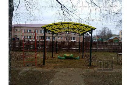Арочный навес 3х6м над детской площадкой