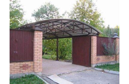 Навес над двором и воротами